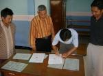 Penandatanganan MOU oleh Kepala MI Islamiyah Alwathaniyah
