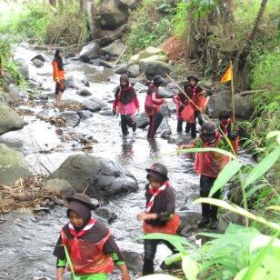 Belajar mencintai lingkungan dengan Jelajah alam